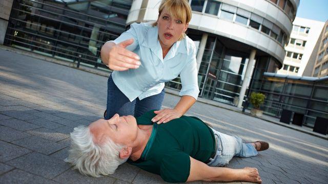 Что делать если случился инфаркт первая помощь