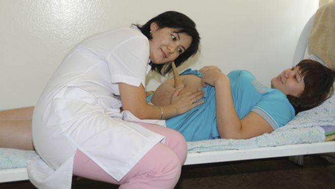 Как послушать сердцебиение плода в домашних условиях: процедура со стетоскопом