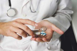 Таблетки у врача